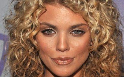 18 mittelgroße lockige Frisuren der Superlative für Frauen